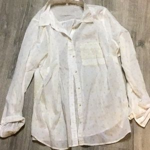 Maurices white and gold patterned shirt